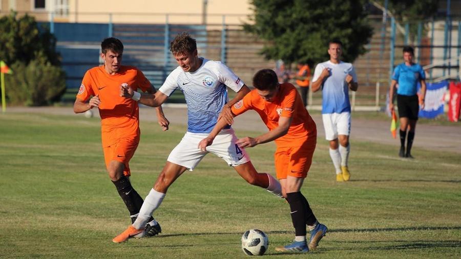 Завершится 4-й тур Премьер-лиги КФС