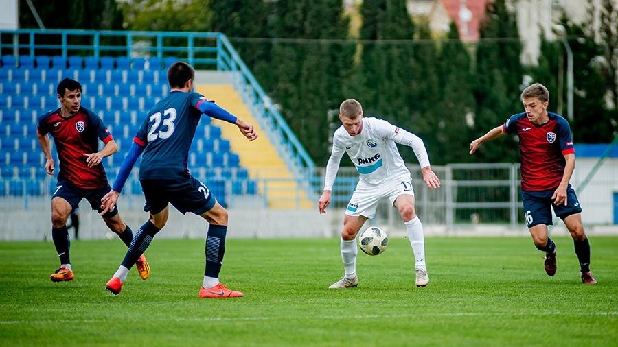 6-й тур Премьер-лиги КФС: очередные победы